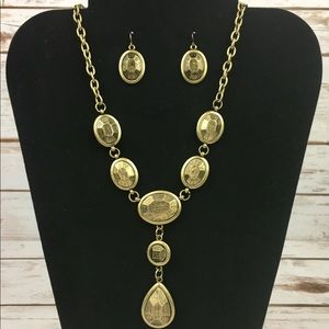 Chunky Gold Necklace & Earrings Set